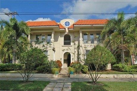 1731 W Watrous Ave Apt 202 Tampa, FL 33606