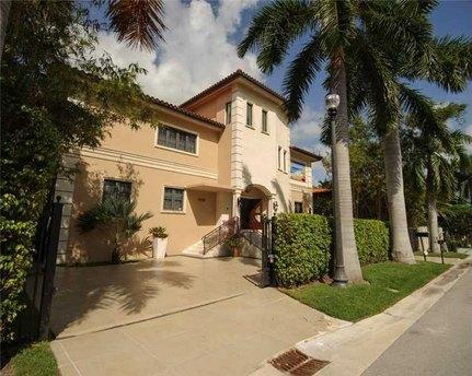 1101 N Venetian Dr Miami Beach, FL 33139