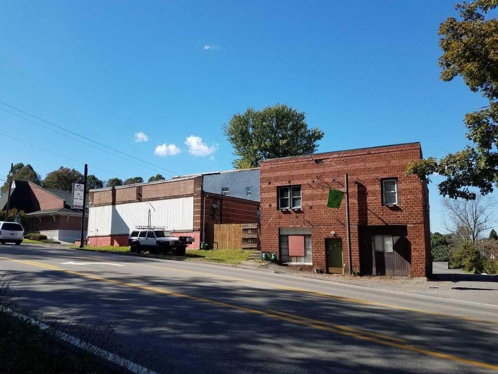1537 1/2 Fairmont Ave, Fairmont, WV 26554