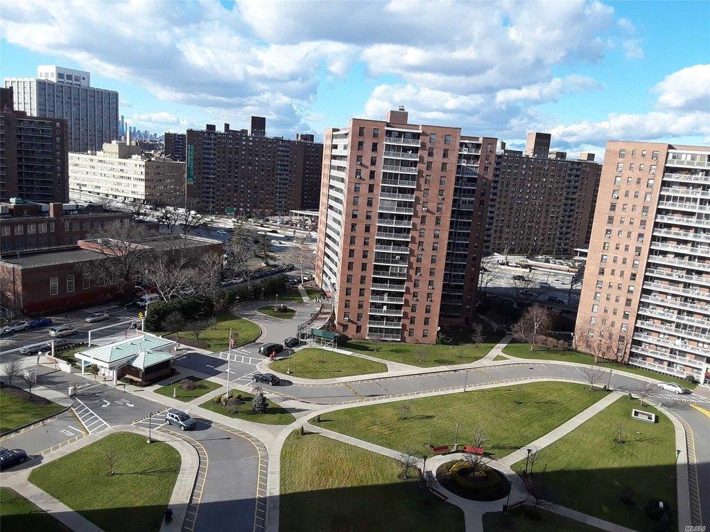 61-45 98th St Unit 15L, Rego Park, NY 11374