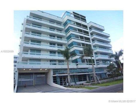 1025 92nd St Unit 407 Miami, FL 33154