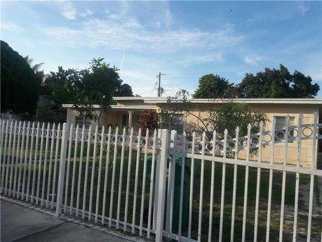 1129 Nw 114th St Miami, FL 33168