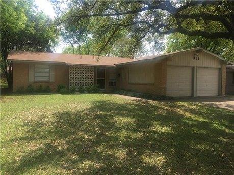 911 Wateka Way Richardson, TX 75080