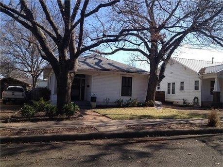 2107 Newton St, Austin, TX 78704