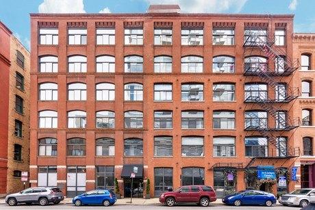 215 W Illinois St Apt 3C, Chicago, IL 60654