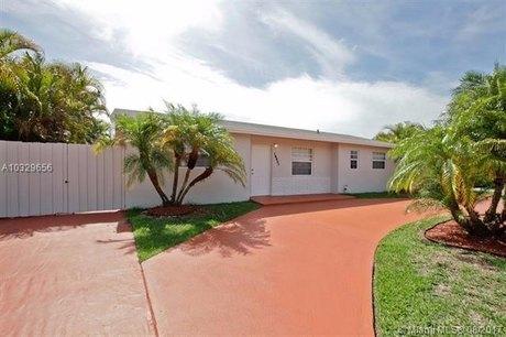 18921 SW 121st Ave, Miami, FL 33177