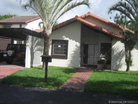 9026 SW 112th Pl, Miami, FL 33176