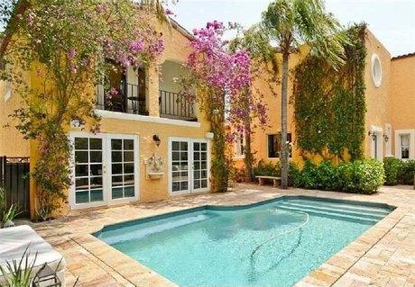 3098 Alton Rd, Miami Beach, FL 33140
