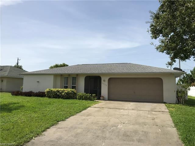 2002 NE 5th St, Cape Coral, FL 33909