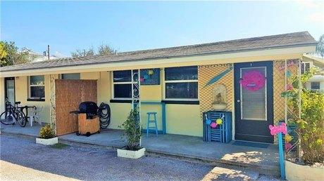 6931 Hibiscus Ave S Unit 1a South Pasadena, FL 33707