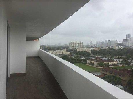36 Nw 6th Ave Apt 909 Miami, FL 33128