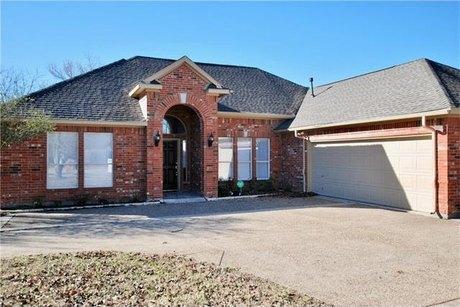 6810 Crestland Ave Dallas, TX 75252