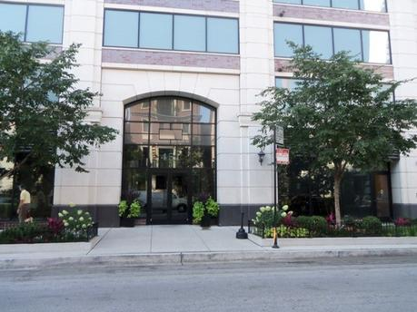 451 W Huron St Unit 1207 Chicago, IL 60654