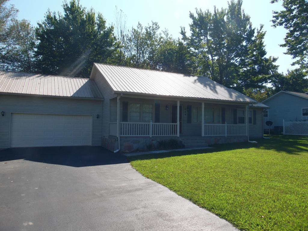 229 Ridgewood Dr, Crossville, TN 38555