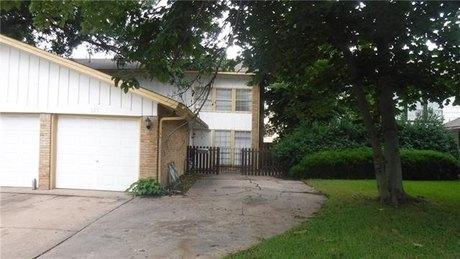121 N Cottonwood Dr, Richardson, TX 75080