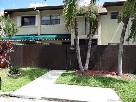 11339 SW 71st Ln, Miami, FL 33173