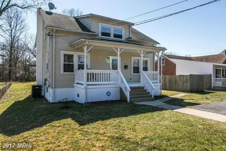 215 McHenry Ave, Pikesville, MD 21208