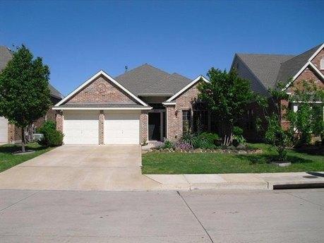 2821 Vacherie Ln, Dallas, TX 75227