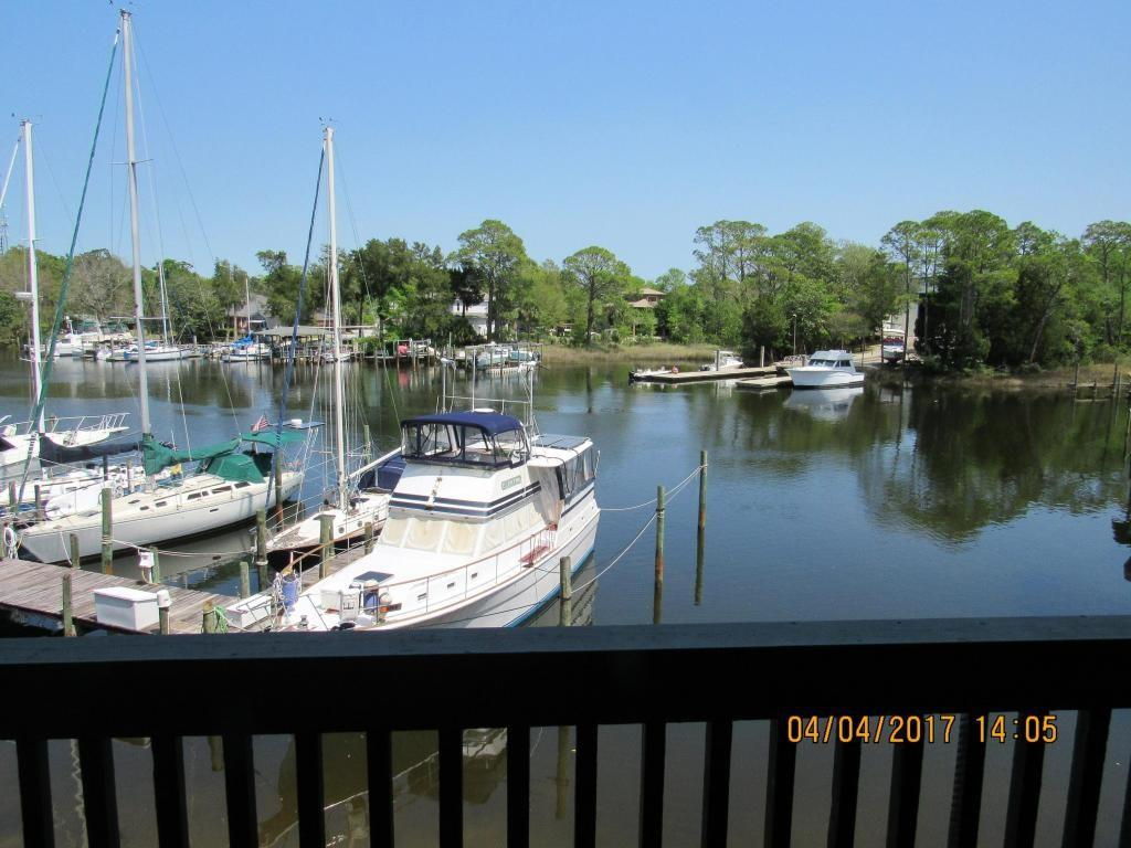 300 Yacht Club Dr Unit 9A, Niceville, FL 32578