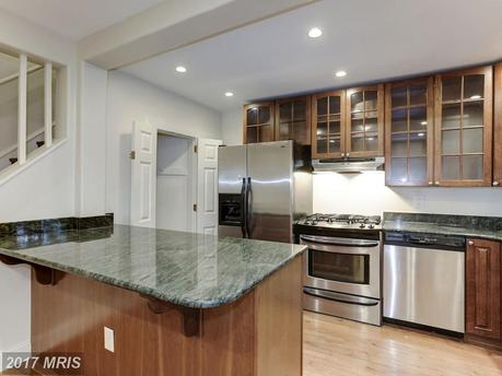 3720 R St NW, Washington, DC 20007