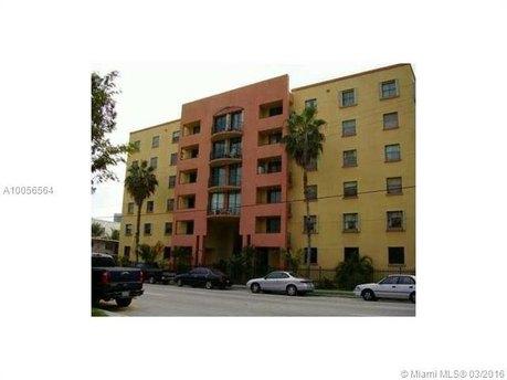546 SW 1st St Apt 605, Miami, FL 33130
