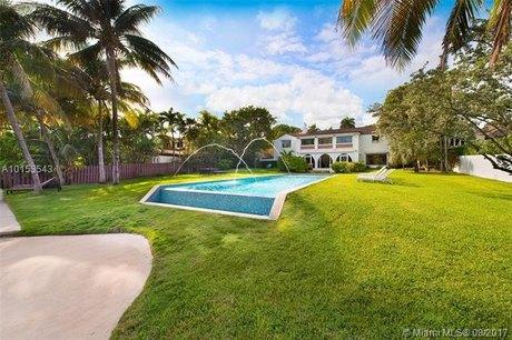 4745 Pine Tree Dr Miami Beach, FL 33140