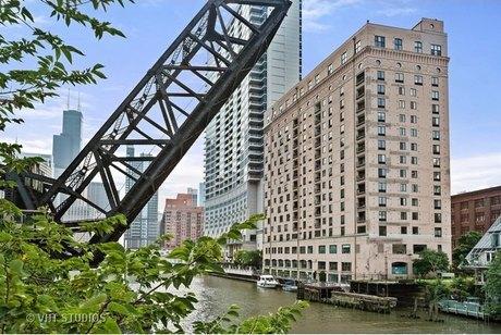 345 N Canal St Apt 1607, Chicago, IL 60606