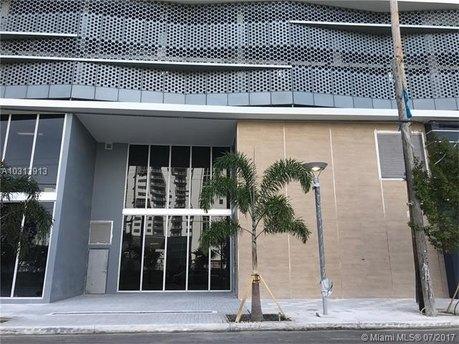 1010 SW 2nd Ave Unit 806, Miami, FL 33130