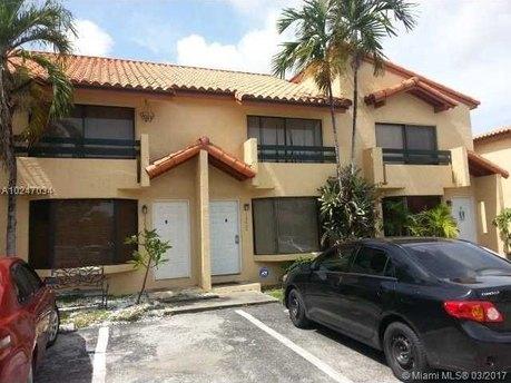 10022 SW 77th Ct, Miami, FL 33156