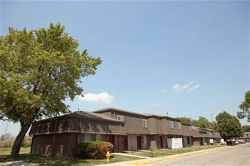 901 N 35th St, Council Bluffs, IA 51501
