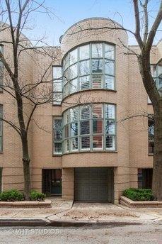 143 W Schiller St Chicago, IL 60610