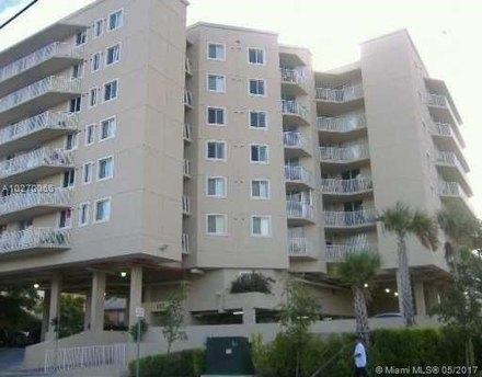 102 SW 6th Ave Apt 210, Miami, FL 33130