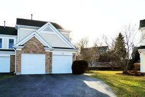 4820 Prestwick Pl, Hoffman Estates, IL 60010