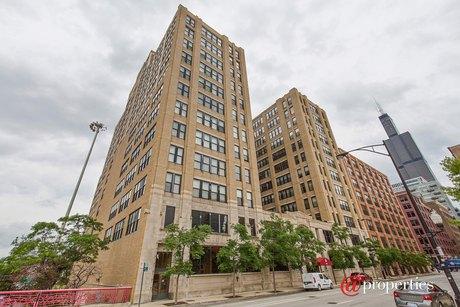728 W Jackson Blvd Apt 1003, Chicago, IL 60661
