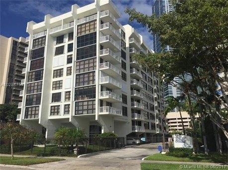 1440 Brickell Bay Dr Apt 809, Miami, FL 33131