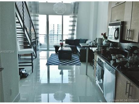 60 SW 13th St Apt 3006, Miami, FL 33130