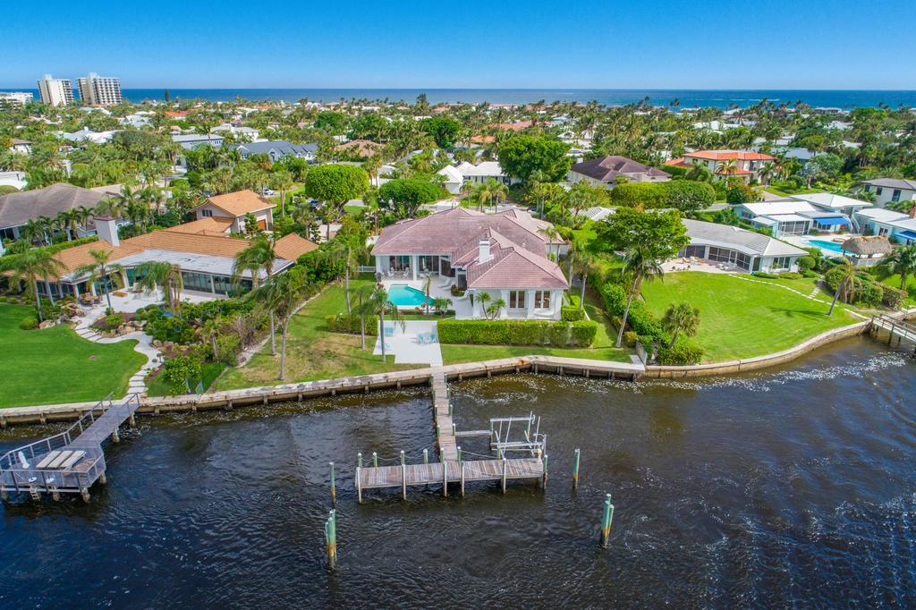 89 Lighthouse Dr, Jupiter Inlet Colony, FL 33469