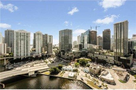 92 Sw 3rd St Apt 2603 Miami, FL 33130