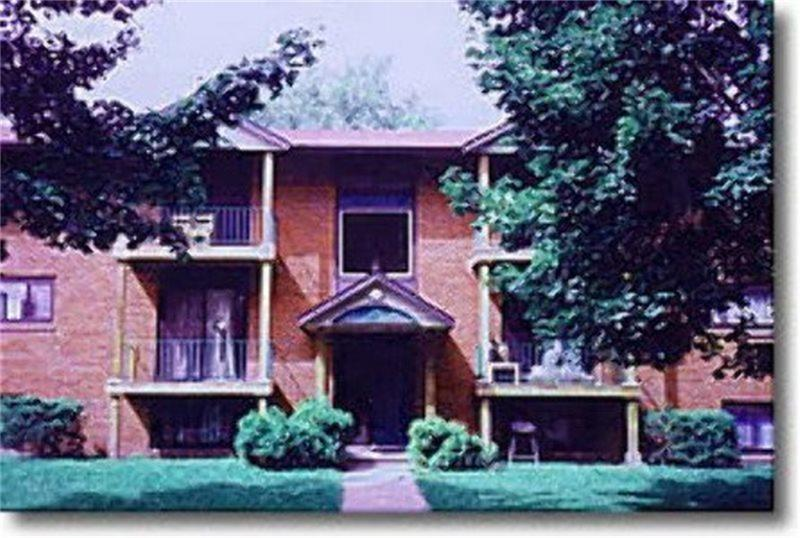 104 Riverdale Dr, Syracuse, NY 13207