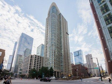 345 N Lasalle St Unit 4305, Chicago, IL 60654