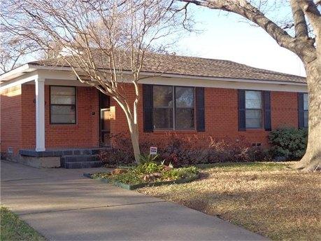 6639 Aintree Cir Dallas, TX 75214