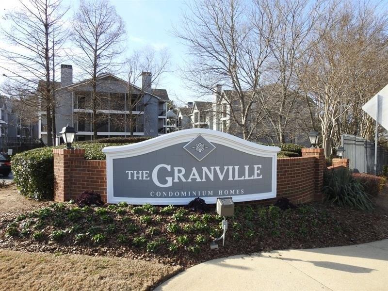 635 Granville Ct, Sandy Springs, GA 30328