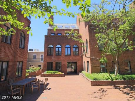 1230 31st St NW Ste 4, Washington, DC 20007