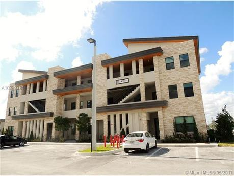 7865 NW 104th Ave Apt 23, Miami, FL 33178