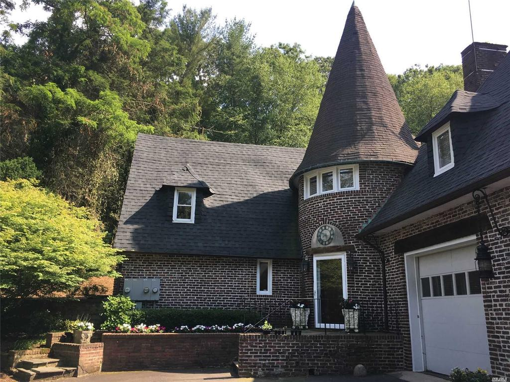 6A Frost Mill Rd, Mill Neck, NY 11765