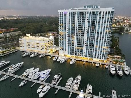 17301 Biscayne Blvd Apt 2110, North Miami Beach, FL 33160