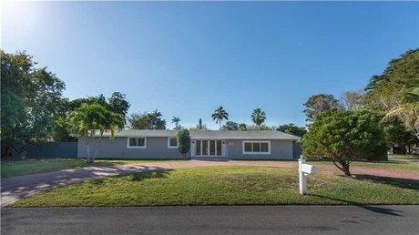 9970 Sw 132nd St Miami, FL 33176