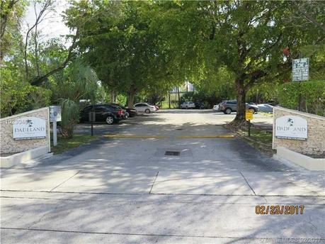 9001 Sw 77th Ave Apt C504 Miami, FL 33156