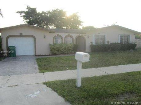 16620 SW 93rd Ave, Palmetto Bay, FL 33157