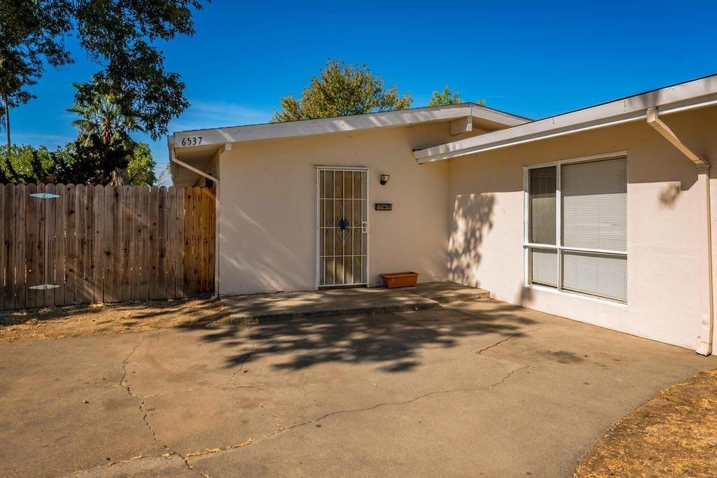 6537 Larchmont Dr, North Highlands, CA 95660